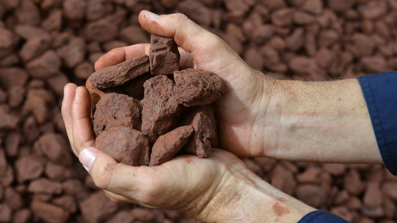 giá quặng sắt 2021